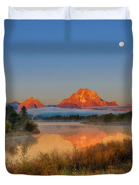 Moonset Over Oxbow Bend Duvet Cover