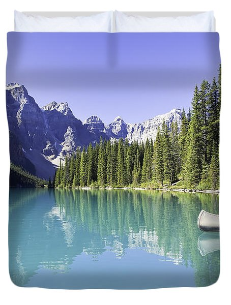 Moraine Lake And Valley Of The Ten Duvet Cover by Ken Gillespie