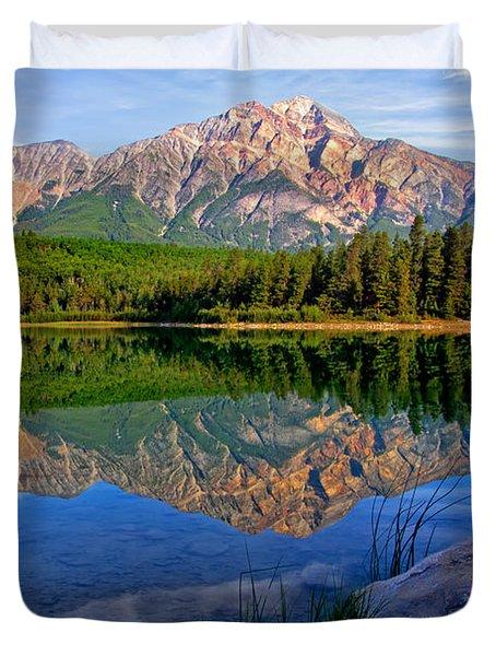Morning At Pyramid Lake Duvet Cover