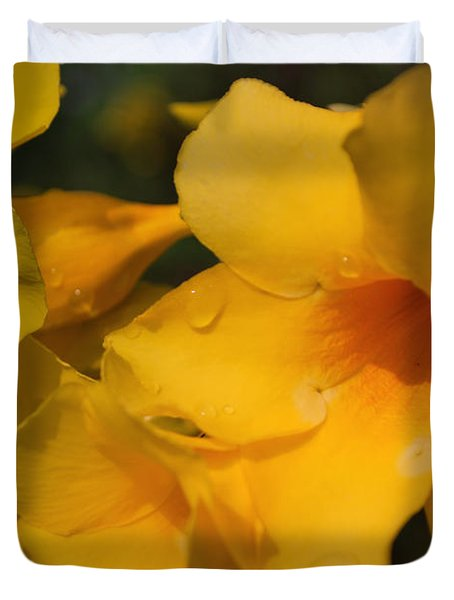 Duvet Cover featuring the photograph Morning  Delight by Miguel Winterpacht