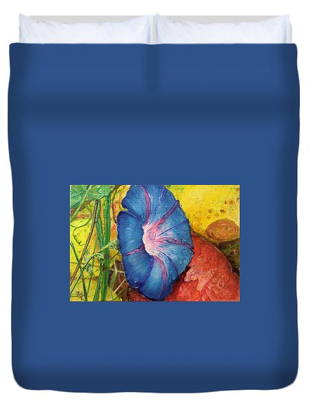 Morning Glory Bloom In Apples Duvet Cover