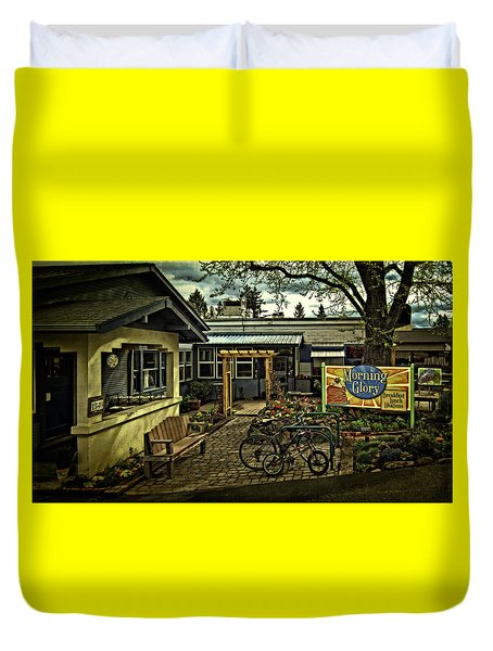 Duvet Cover featuring the photograph Morning Glory Cafe Ashland by Thom Zehrfeld