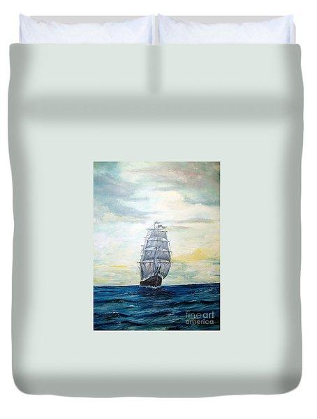 Morning Light On The Atlantic Duvet Cover by Lee Piper