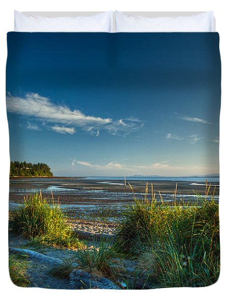 Morning On The Beach Duvet Cover by Randy Hall