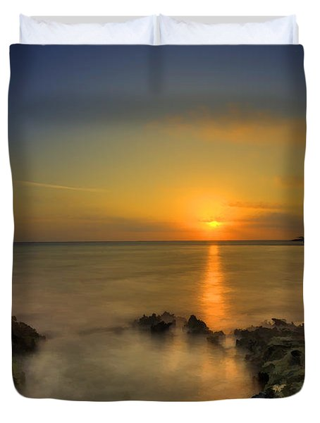 Morning Sun Rising In The Grand Caymans Duvet Cover by Dan Friend