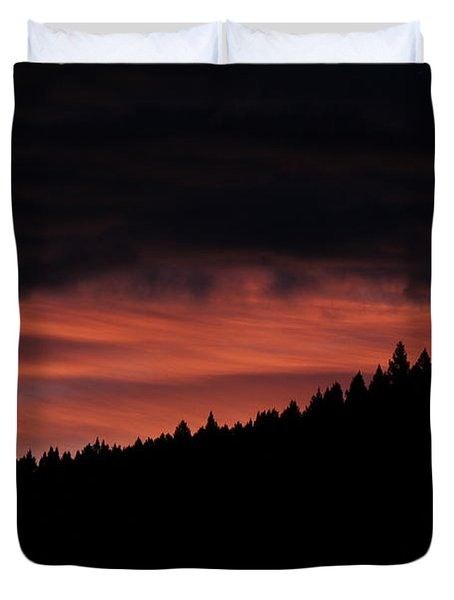 Duvet Cover featuring the photograph Morning View by Ann E Robson