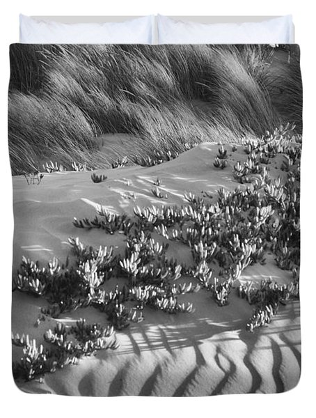 Morro Beach Textures Bw Duvet Cover by Terry Garvin