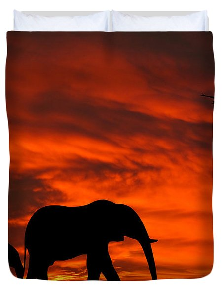 Mother And Baby Elephants Sunset Silhouette Series Duvet Cover