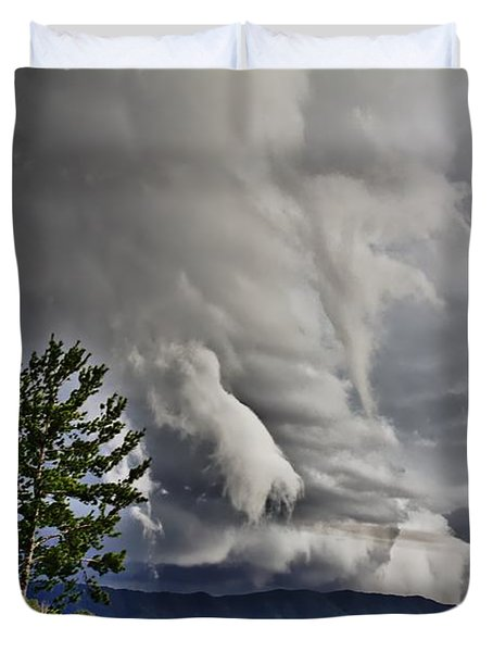 Mother Nature Showing Off V2 Duvet Cover