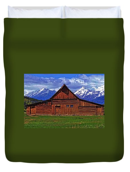 Moulton Barn In Spring Duvet Cover by Dan Sproul
