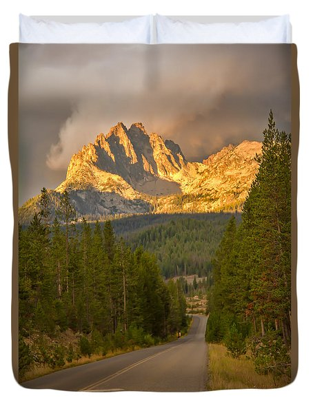 Mount Heyburn Duvet Cover by Robert Bales