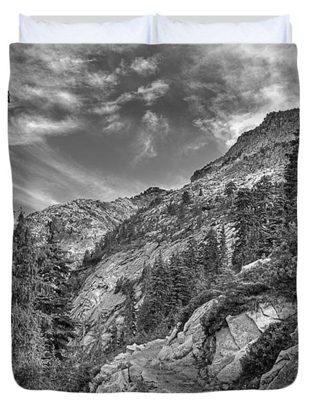 Mount Pilchuck Black And White Duvet Cover