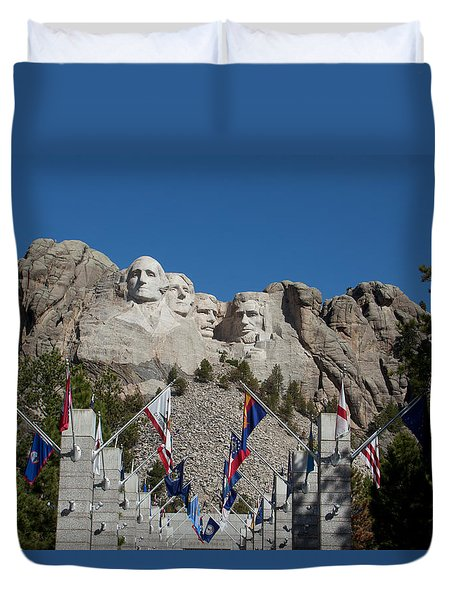 Mount Rushmore Avenue Of Flags Duvet Cover