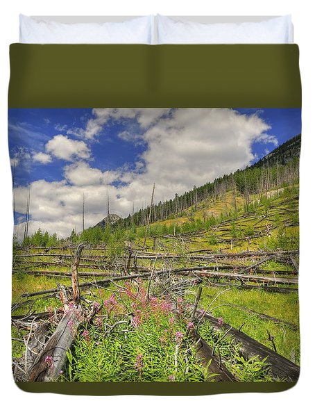 Mountain Meadow In Banff Duvet Cover