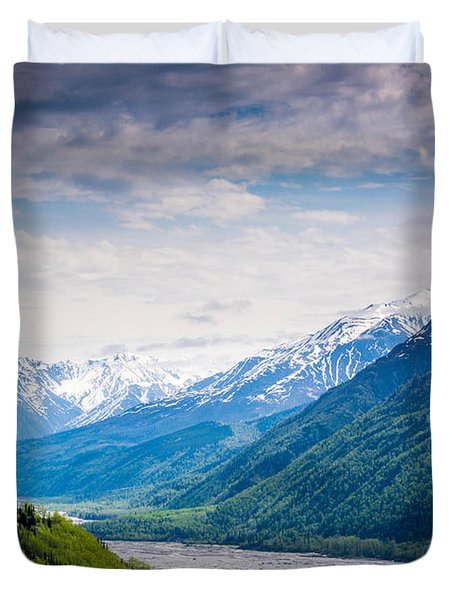 Mountains Along Seward Highway Duvet Cover by Andrew Matwijec