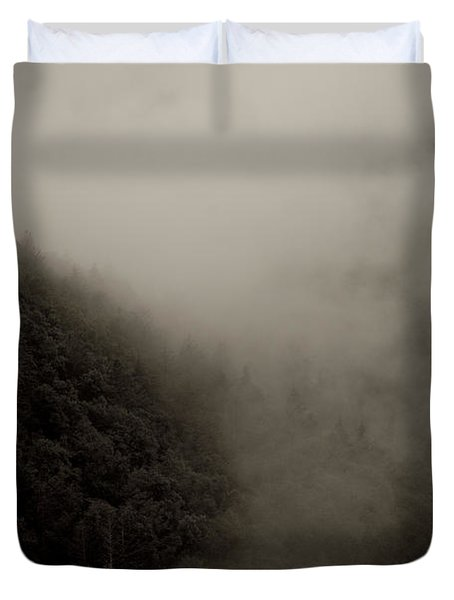 Mountains And Mist Duvet Cover
