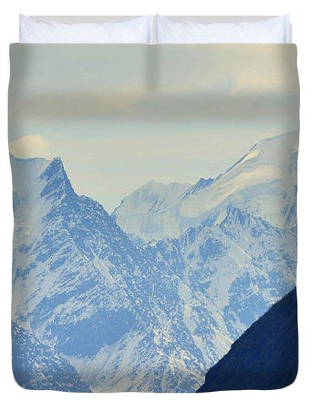 Mountains Near Matanuska Glacier Duvet Cover