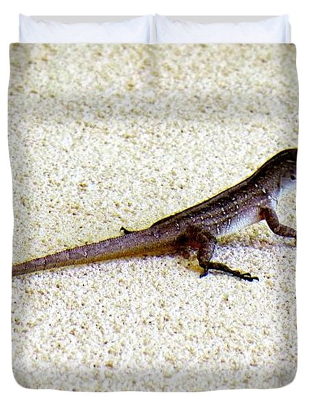 Duvet Cover featuring the photograph Mr. Gecko by Pennie  McCracken