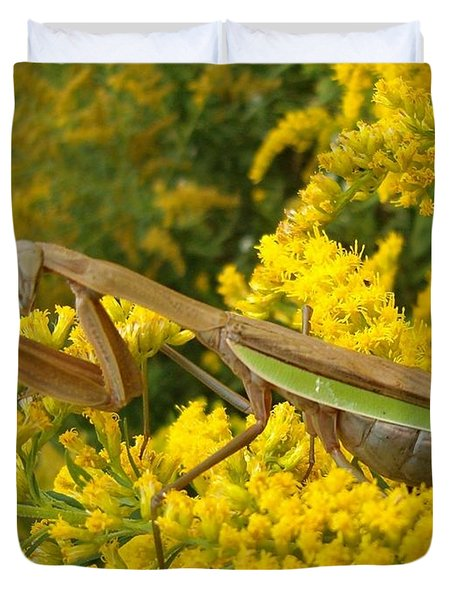 Duvet Cover featuring the photograph Mr. Mantis by Sara  Raber