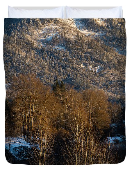 Mt Baldy Near Grants Pass Duvet Cover by Mick Anderson