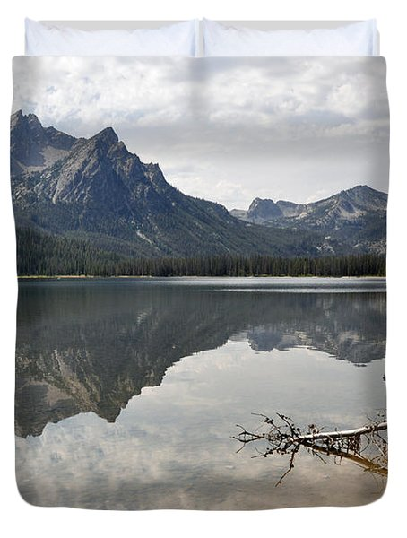 Mt. Mcgowan Reflected In Stanley Lake Duvet Cover