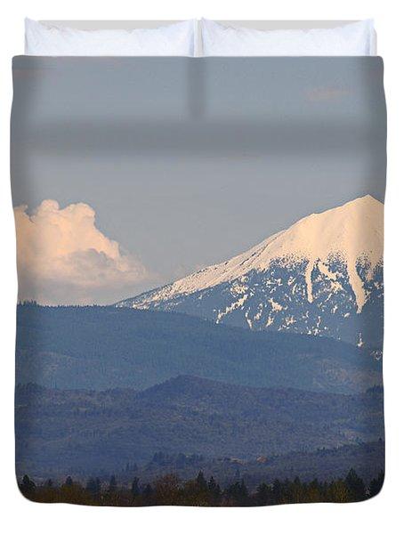 Mt Mclaughlin And Spring Cumulus Duvet Cover