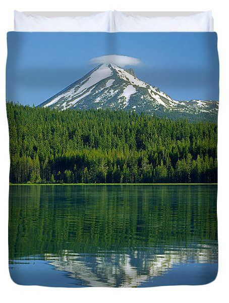 1m5705-h-mt. Mcloughlin From Lake Of The Woods Duvet Cover