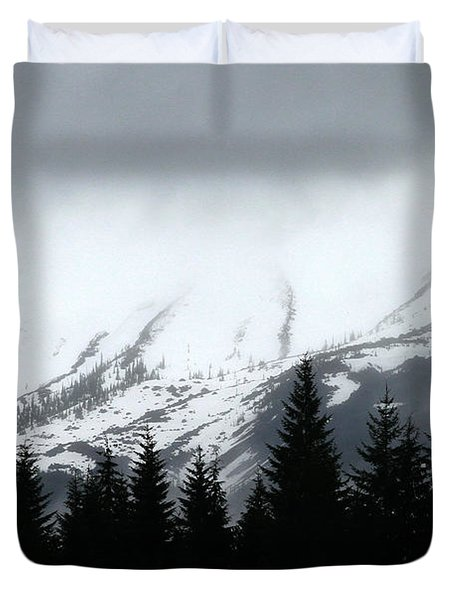 Mt St Helens........a Looming Storm Duvet Cover