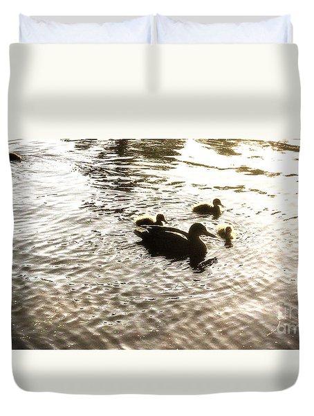 Mumma Duck And Ducklings Duvet Cover