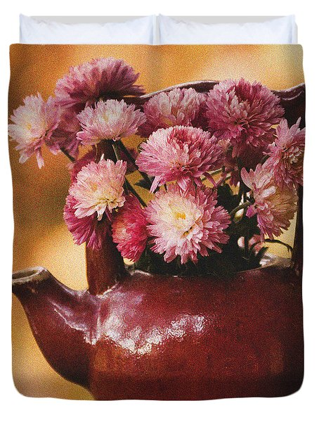 Duvet Cover featuring the photograph Mums In A Teapot Still Life by Peggy Collins