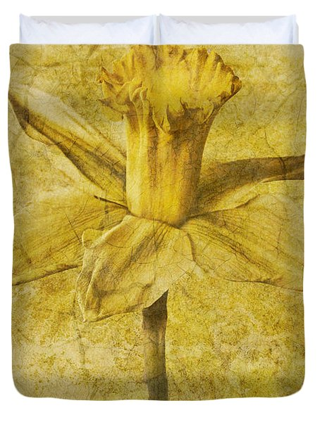 Narcissus Pseudonarcissus Duvet Cover by John Edwards