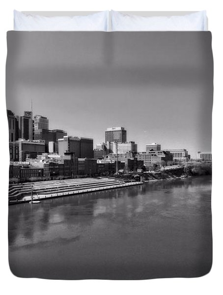 Nashville Skyline In Black And White At Day Duvet Cover by Dan Sproul