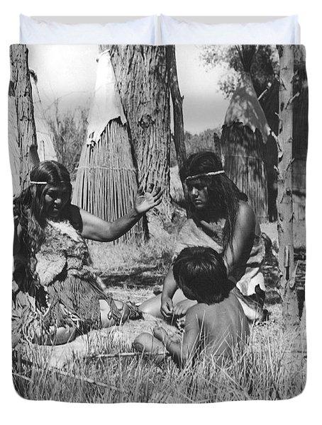 Native American Story Telling Duvet Cover