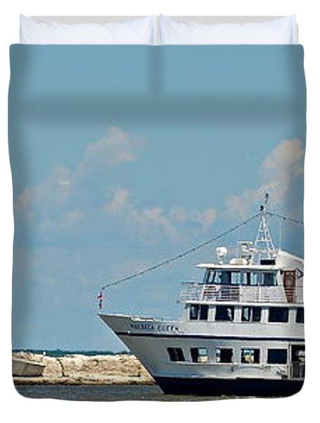 Nautica Queen In Lake Erie Harbor Duvet Cover