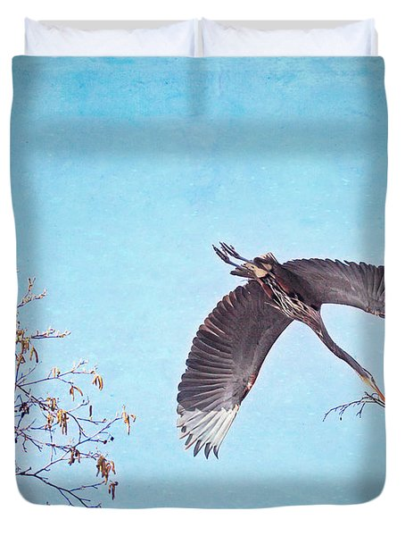 Duvet Cover featuring the photograph Nesting Heron by Peggy Collins