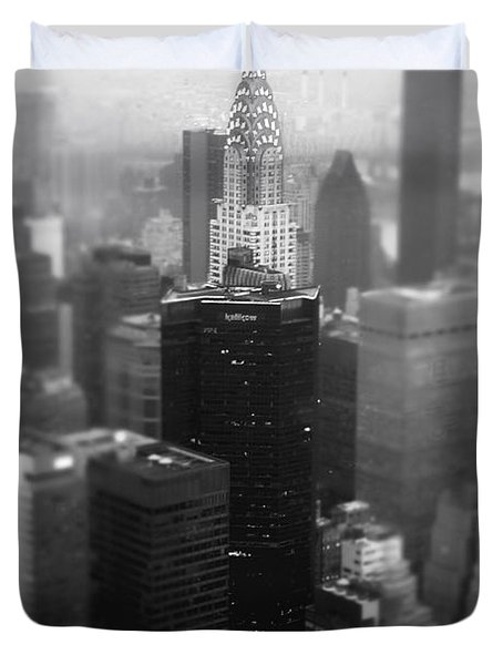 New York City - Fog And The Chrysler Building Duvet Cover by Vivienne Gucwa
