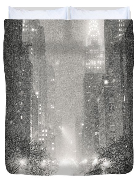 New York City - Winter Night Overlooking The Chrysler Building Duvet Cover