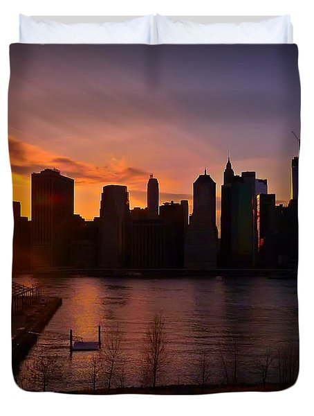 New York Skyline Sunset -- From Brooklyn Heights Promenade Duvet Cover by Mitchell R Grosky