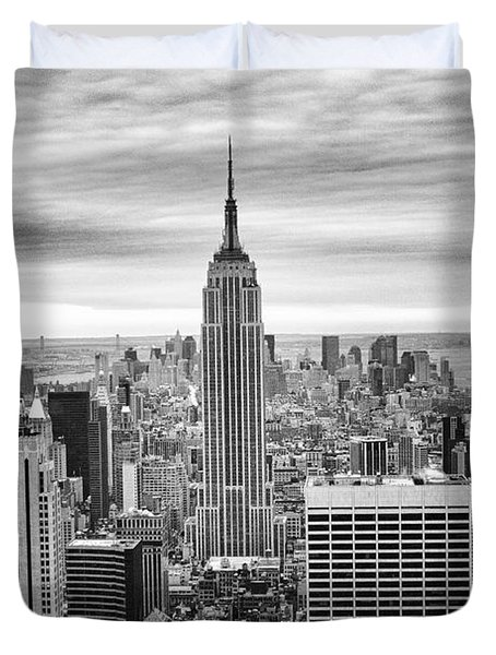 Black And White Photo Of New York Skyline Duvet Cover