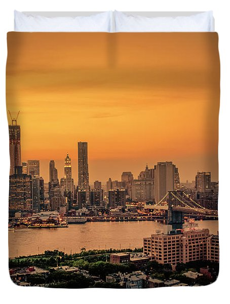 New York Sunset - Skylines Of Manhattan And Brooklyn Duvet Cover