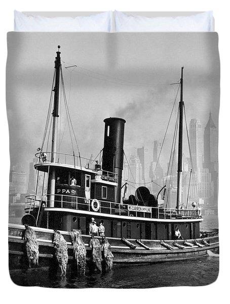 New York Tugboat, 1936 Duvet Cover