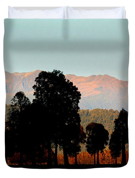 Duvet Cover featuring the photograph New Zealand Silhouette by Amanda Stadther