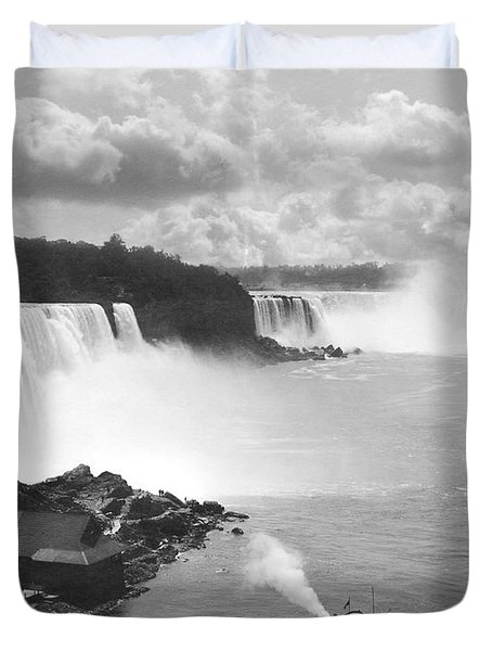 Niagara Falls Maid Of The Mist Duvet Cover