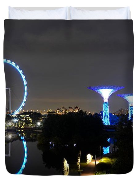Night Shot Of Singapore Flyer Gardens By The Bay And Water Reflections Duvet Cover