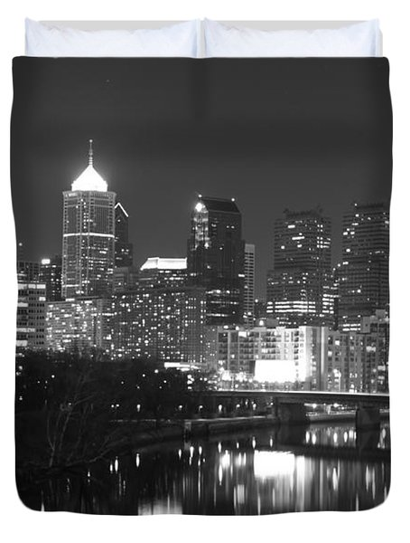 Duvet Cover featuring the photograph Nighttime In Philadelphia by Alice Gipson