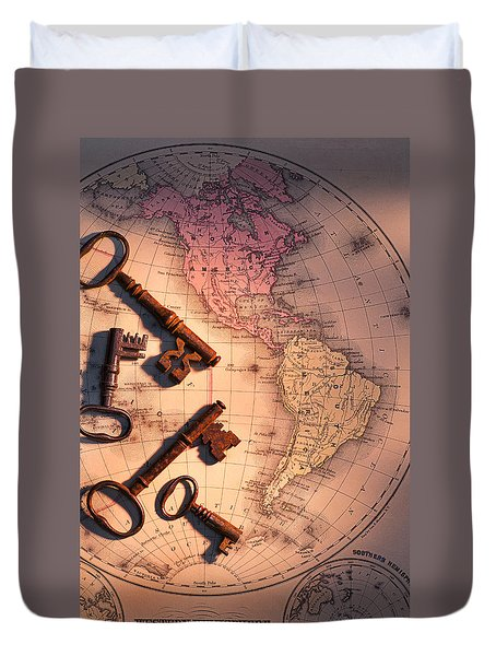 North America And Old Keys Duvet Cover