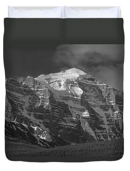203553-north Face Mt. Temple Bw Duvet Cover