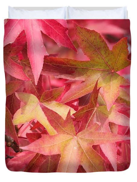Duvet Cover featuring the photograph Oak Leaves In The Fall by E Faithe Lester