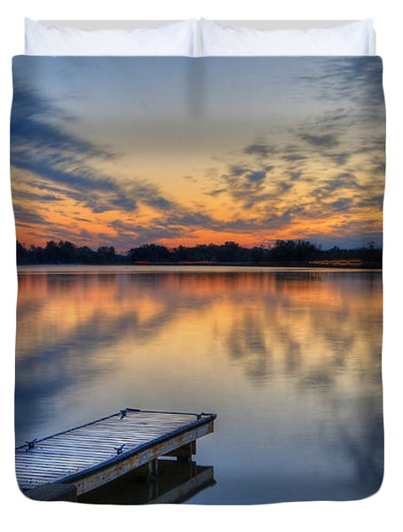 October Sunrise At Lake White Duvet Cover