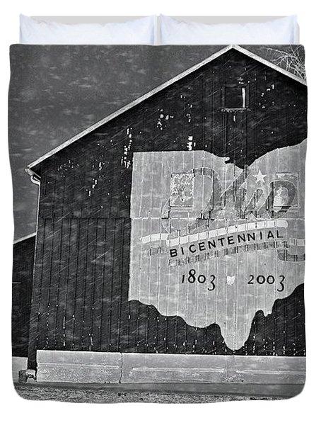 Ohio Barn In Winter Duvet Cover by Dan Sproul